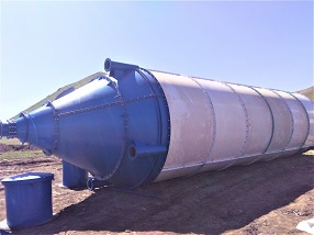 片状水泥仓在HZS240站中的应用